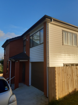 17D Earlsworth road Mangere East